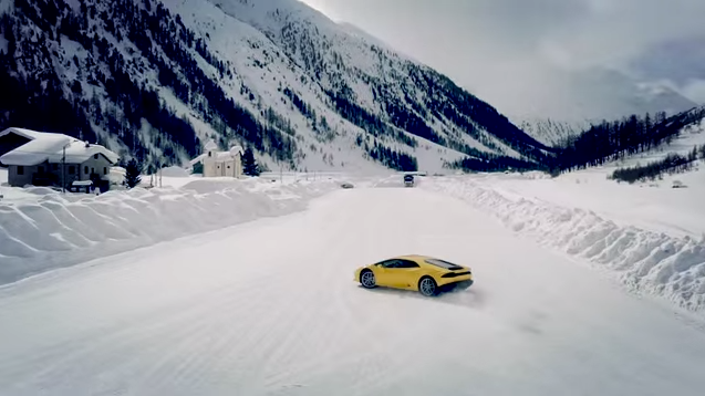 Video: Lamborghini Winter Accademia Playing In The Snow